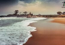 Seashore in mahabalipuram beach with seashore view